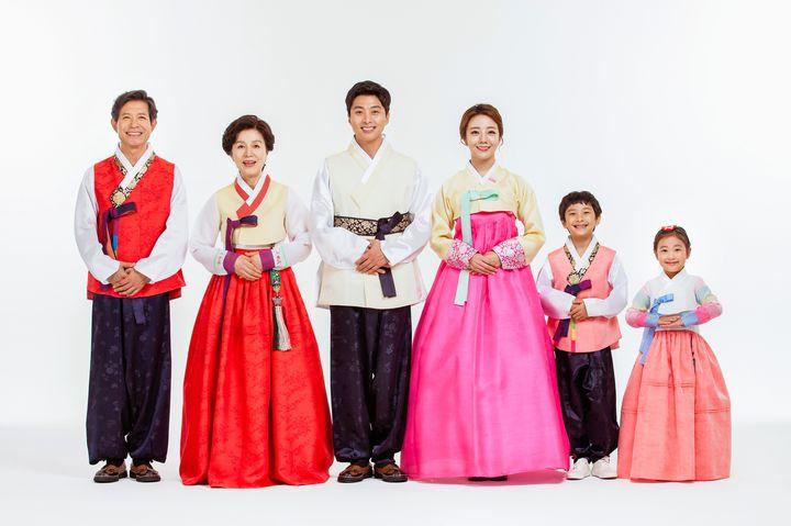 韓国女子旅におすすめ!チマチョゴリを着て、可愛い写真残してみない?