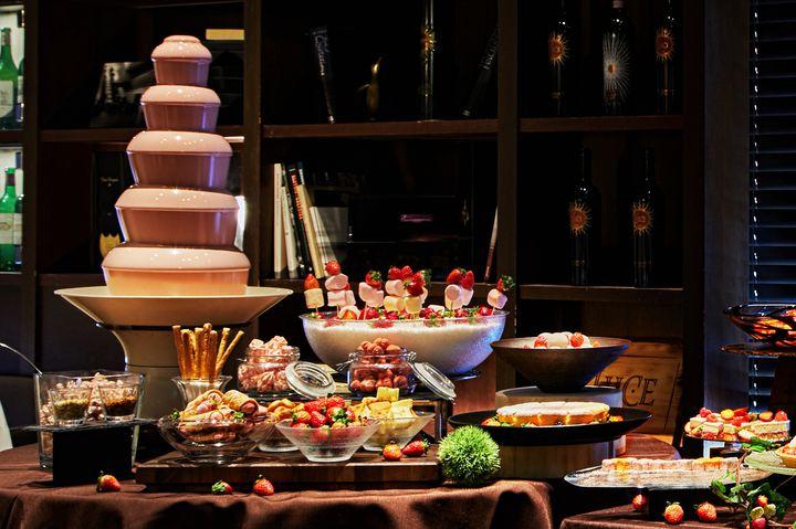 食後にいちごドルチェはいかが?「ストロベリーブッフェ」開催