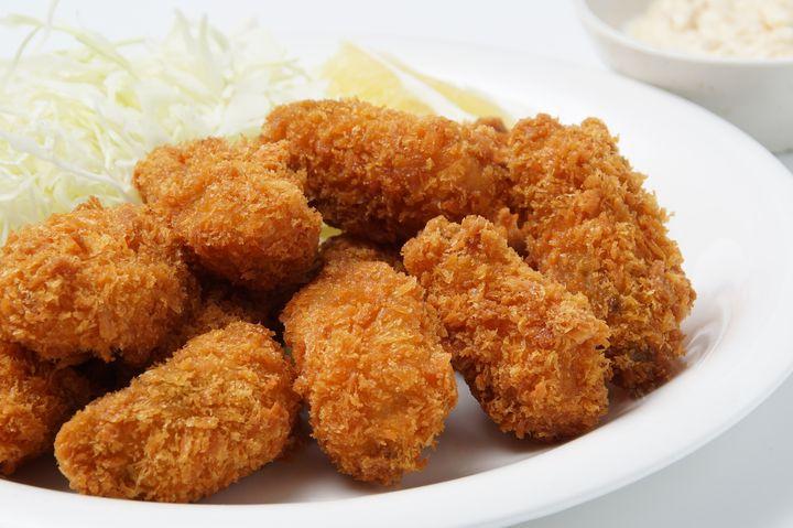 いくつ食べても1200円!牡蠣フライが食べ放題の飯田橋「貝殻荘」とは