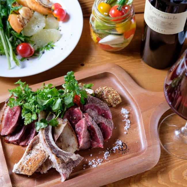 居心地抜群のイタリアンバル!「がぶ飲みワインと肉 千住MEAT」オープン