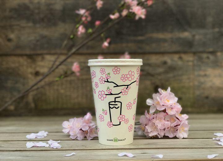 【終了】桜フレーバーのシェイク!「シェイクシャック」から春限定ドリンク登場
