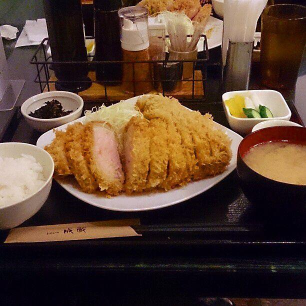 【高田馬場】並んででも食べなきゃ損!絶品とんかつの名店『成蔵』とは