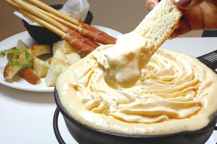 天使のふわふわチーズフォンデュが人気!「チーズクラフトワークス」がお台場に登場