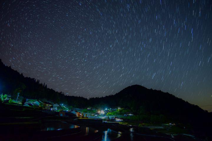 世界に誇る日本の美しさがそこにある。広島「井仁の棚田」で壮大な絶景を