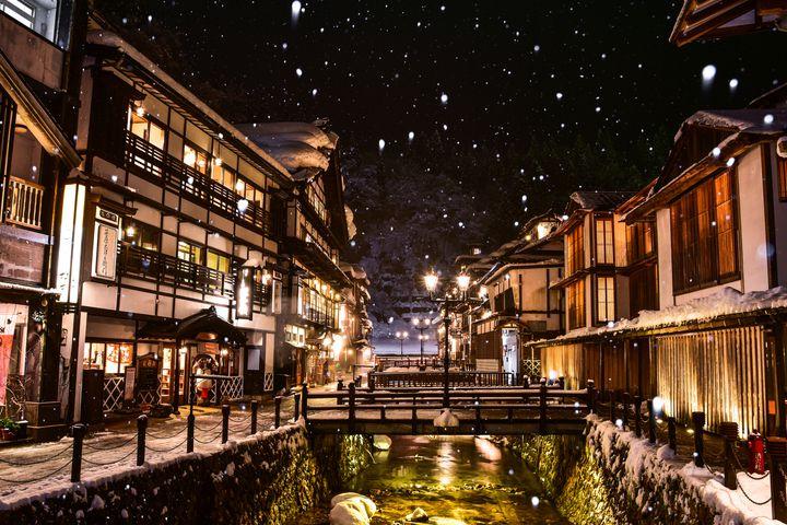 【秋冬】一泊二日デート、しませんか? 日本国内のカップルにおすすめの旅行先12選
