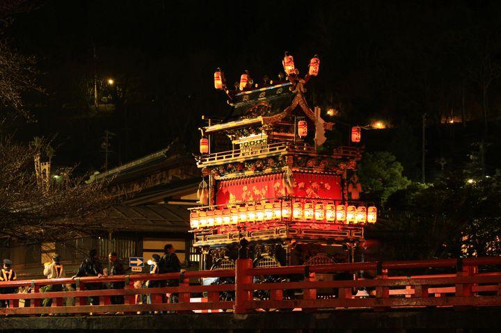 日本三大美祭のひとつ!祭屋台に見惚れてしまう春の「高山祭」の魅力とは
