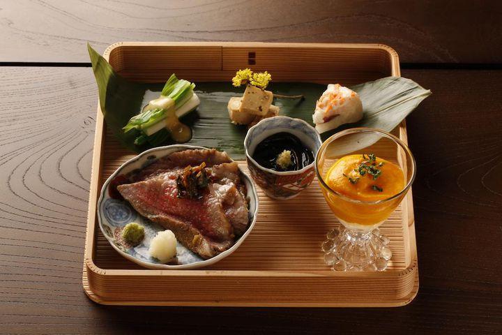"""極上な宿泊に極上な「食事」を。日本国内の""""食事が美味しい宿""""10選"""