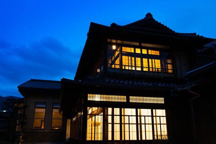 昭和初期の面影が色濃く残る旅館です。客室は、全室和室になっています。