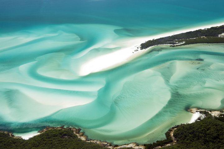 """地球が生み出した芸術品。息を吞む絶景""""ホワイトヘブンビーチ""""が美しい"""