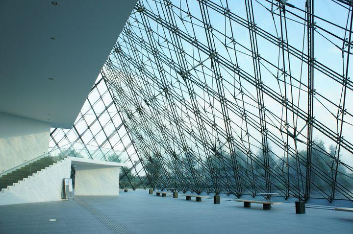 """日本にあるルーヴル美術館?パリみたいな""""ガラスの美術館""""を北海道に発見"""