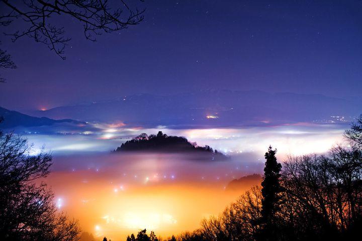 """雲海に浮かぶ""""天空の城""""。福井・越前大野城でしたい5つのこと"""