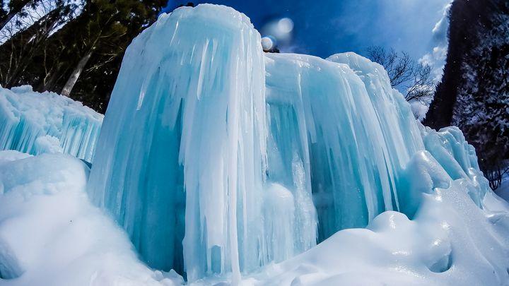 飛騨高山の冬絶景!奥飛騨温泉郷 たるまの滝がすごすぎる!