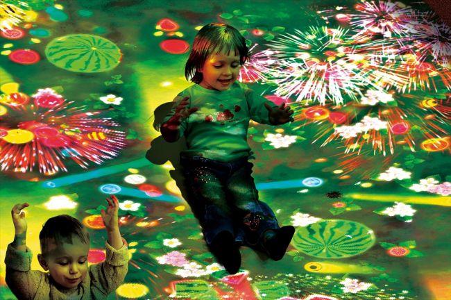 チームラボがららぽーと富士見の「チームラボアイランド -学ぶ!未来の遊園地-」に、新作追加展示中