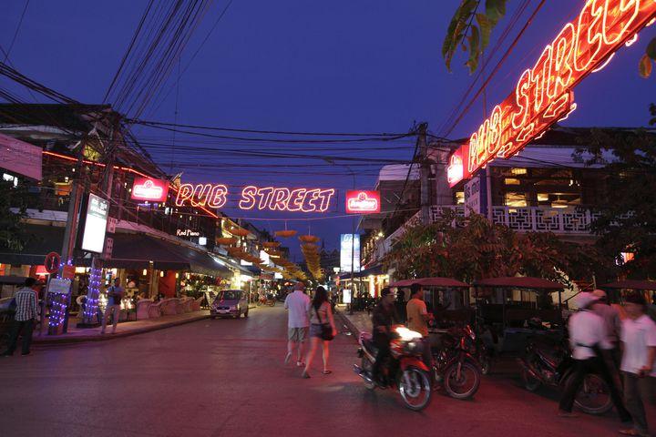 """遺跡巡りの後はここ!カンボジアの繁華街""""パブストリート""""のおすすめのお店7選"""