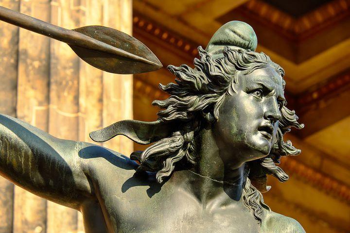 ベルリン・博物館で最古の「旧博物館」ドイツのギリシャ彫刻ならココ!