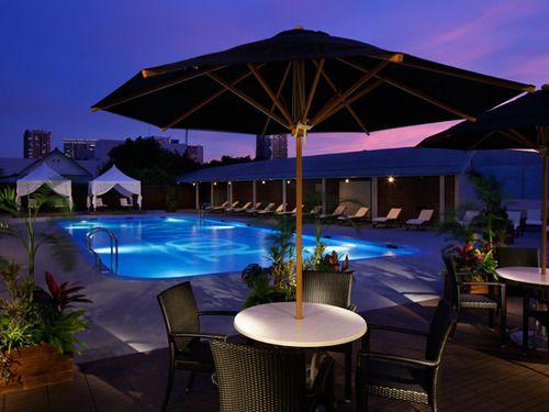 夏の特別な日に泊まりたい!東京都内のラグジュアリーなプール付ホテル9選