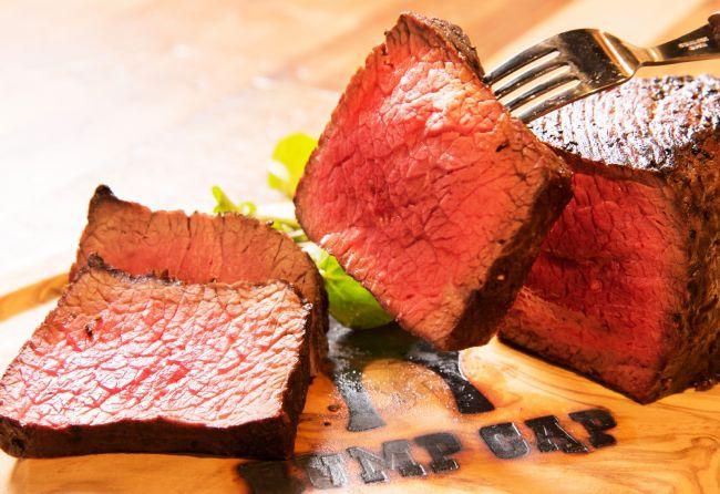 2日間全品半額も!「神田の肉バル RUMP CAP」田町店OPEN