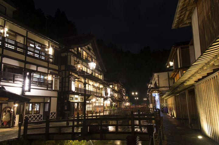 「銀山温泉」人気日帰り温泉ランキングTOP13&おすすめ観光地を紹介!