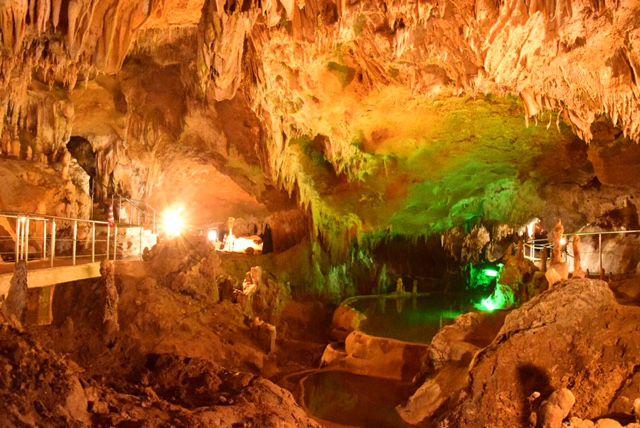 """自然が作り出す奇跡の絶景!石垣島の""""石垣島鍾乳洞""""が神秘的過ぎる"""