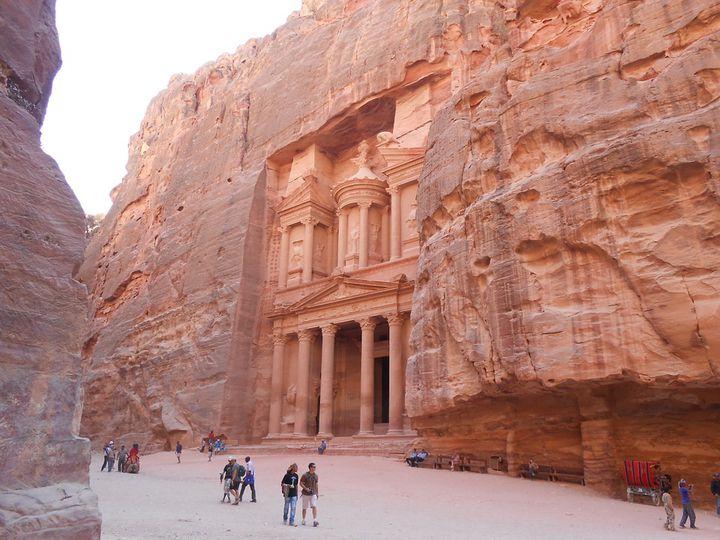 砂漠に囲まれた神秘の国ヨルダン カップルで行きたいおすすめ観光スポット20選!
