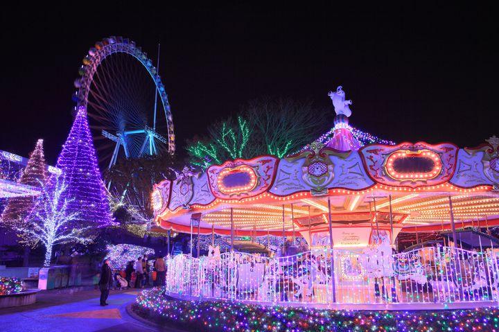 大人も楽しめる夢の国。日本全国にある特別な日に行きたい8つのおすすめ遊園地