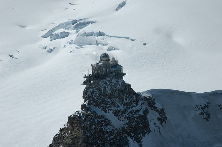 一生に一度の感動!雪山最高峰の展望台へ!スイス 「ユングフラウヨッホ駅」