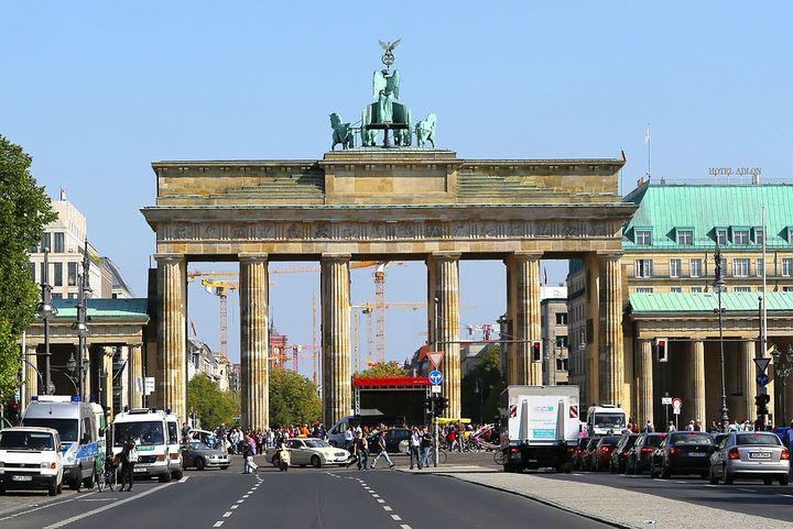 ベルリン・王家の散歩道「ウンター デン リンデン」の見どころ!