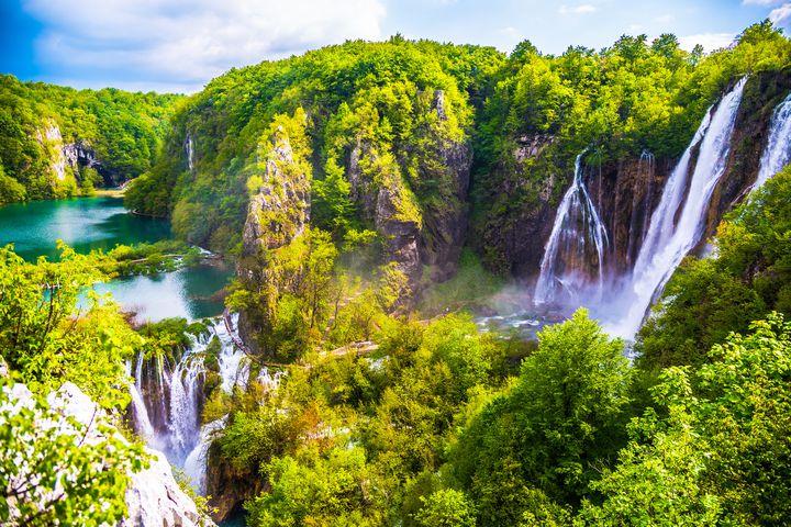 世界で最も美しい滝。クロアチアの「プリトヴィツェ湖群国立公園」とは