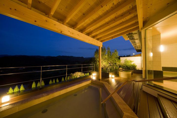 美しい渓谷美を満喫!赤目四十八滝周辺でおすすめのホテル5選