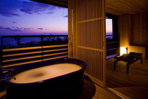 """海×温泉を叶えたい。日本全国の""""オーシャンビュー""""が自慢の宿11選"""