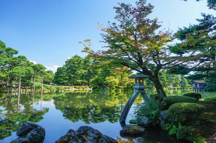 和の心を感じられる!日本人なら一度は行きたい美しき「日本庭園」7選
