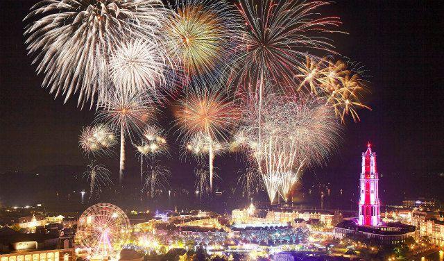 【終了】九州最大級18,000発!「夏一番花火大会」ハウステンボスにて開催