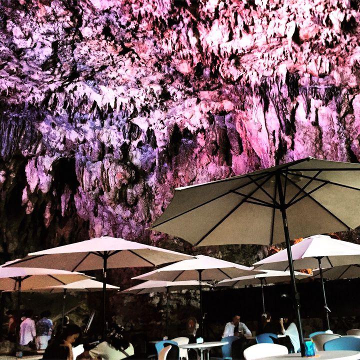 自然の中で癒される!沖縄にある居心地抜群な「ガンガラーの谷 ケイブカフェ」とは
