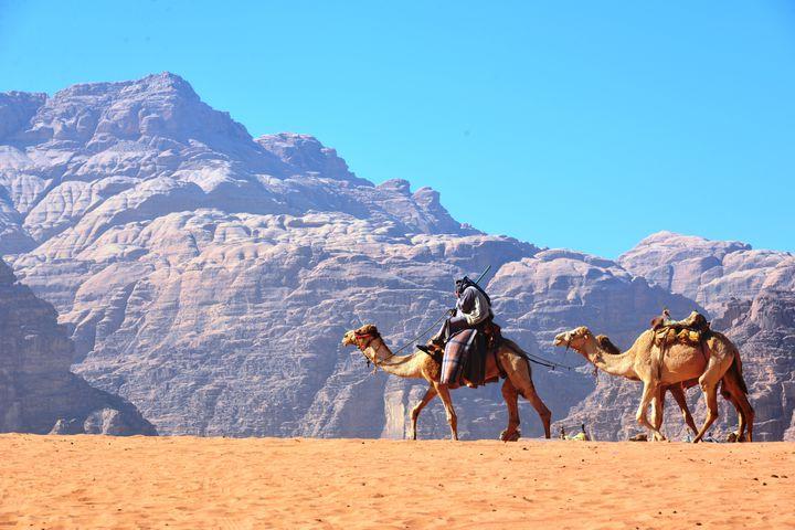 ワディ・ラムのスケールがすごすぎる!ヨルダンの砂漠を満喫するツアーに参加しよう!