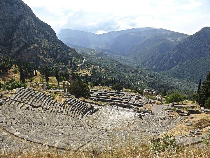 ここが世界の中心?ギリシャ神話の宝庫!「デルフィ」のおすすめ観光スポット