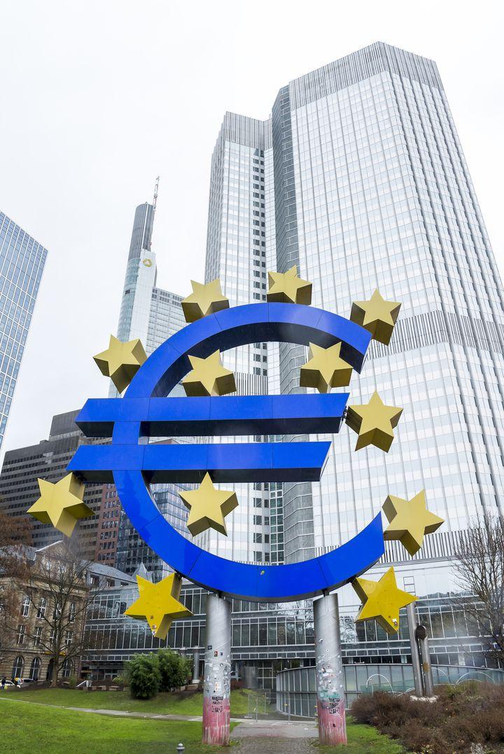 フランクフルトはヨーロッパの経済の中心地!新しい観光スポット、欧州中央銀行に行ってみよう!