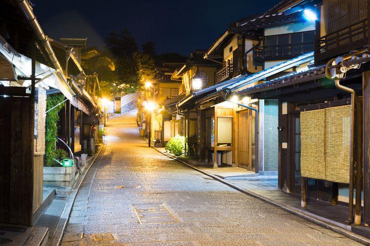 夜の京都を彩るお店。京都のフォトジェなチューハイ専門店「SOUR」に注目