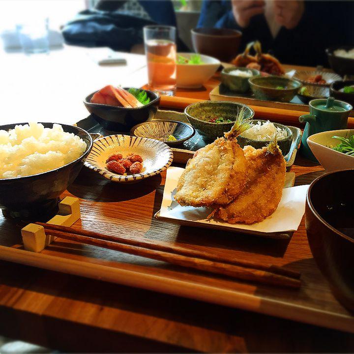 日本の島料理を食べつくせ!東京・神楽坂にある「離島キッチン」が話題沸騰中