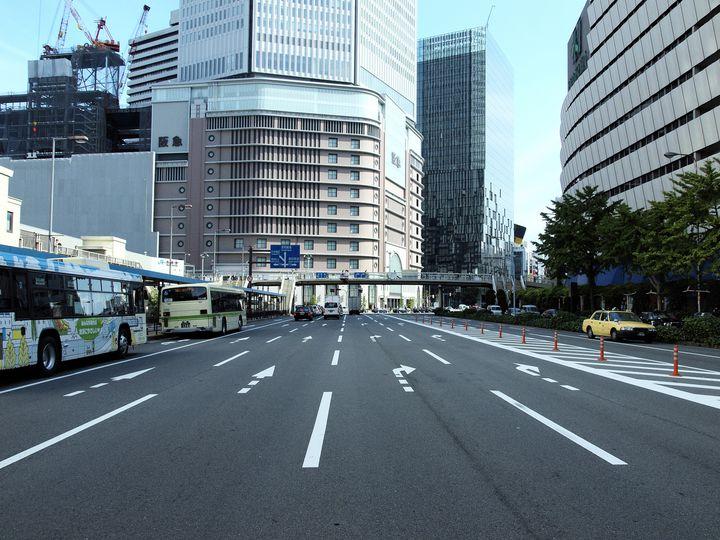 営業をしながら変身中のスポット!阪神百貨店周辺にある駐車場5選