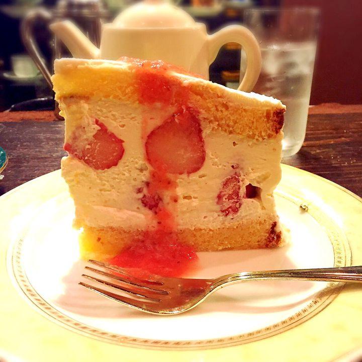 """新宿でホッと一息。""""幻のショートケーキ""""が味わえる隠れ家カフェが素敵すぎる"""