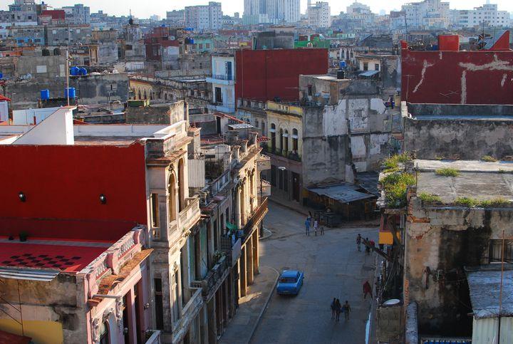 宿泊した部屋から眺めるハバナ旧市街。近代化により変わって欲しくない街並み。