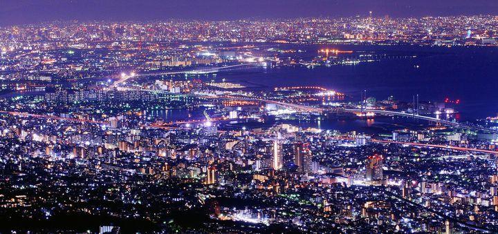 ロマンチックなデートの醍醐味。日本国内の美しい夜景スポット10カ所