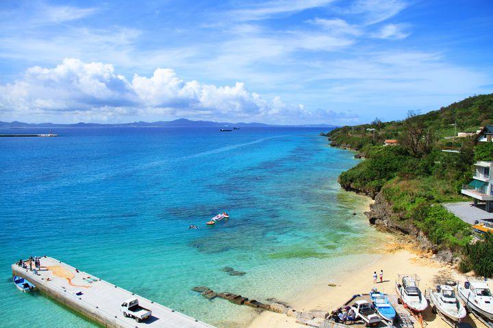 まるで海外のような海の美しさ。沖縄で絶対に行きたい絶景ビーチ10選