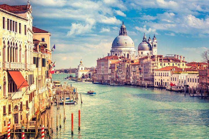 まるで絵本の中の世界!イタリア・ベネチアの美しい景観を堪能する2泊3日プランはこれだ
