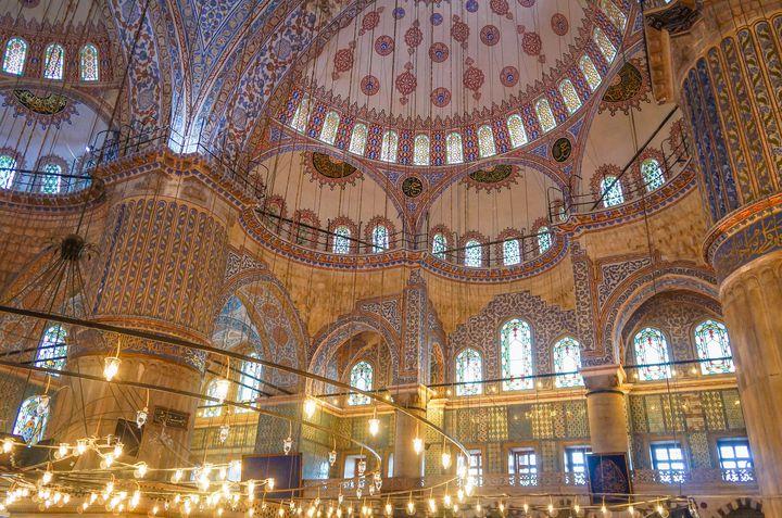 その絶景に立ち尽くす。イスタンブールの神秘的な絶景7選