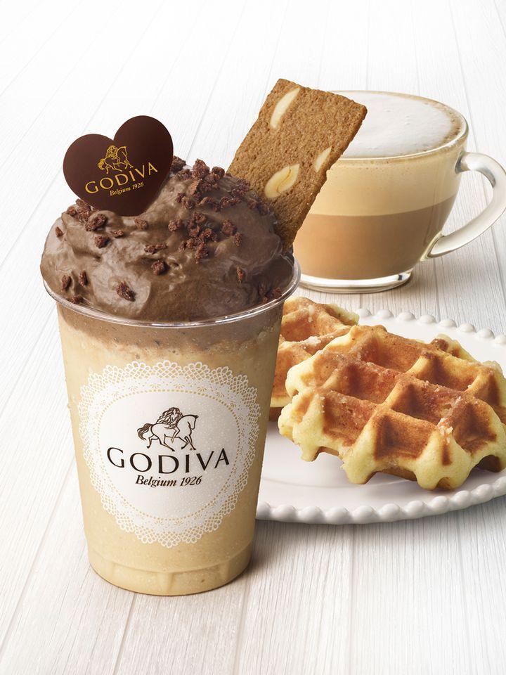 """ムースショコラが美味しい!ゴディバの""""新感覚ドリンク&デザート""""を味わおう"""