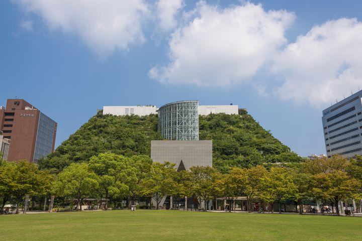 福岡でショッピングやグルメを満喫しよう!博多大丸周辺にある駐車場5選