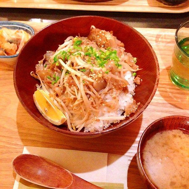 知られざる絶品B級グルメ!愛媛県の美味すぎるご当地丼ぶり7選