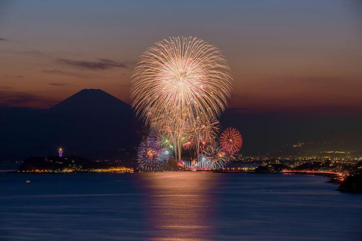 【終了】中止報道から一転!「第69回鎌倉花火大会2017」開催