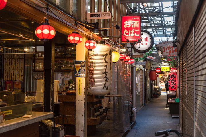 """眠らない街""""東京""""で見つけた!東京都内のはしご旅に最適な居酒屋街7選"""